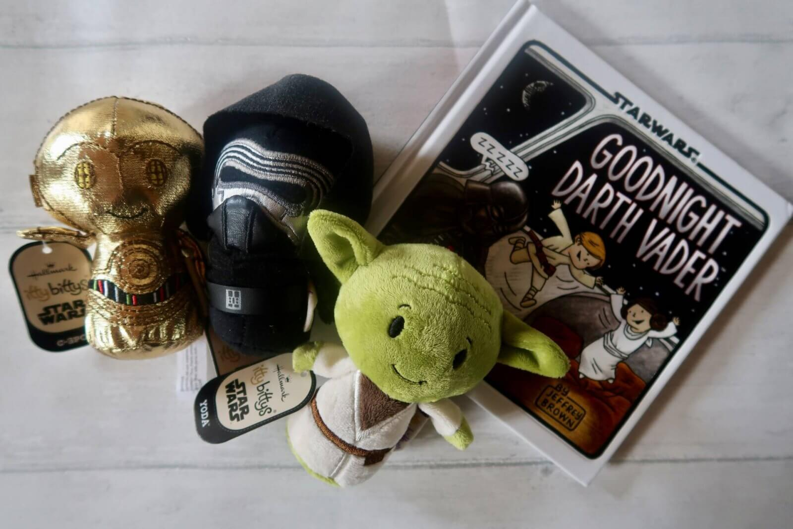 A Feminist Force Awakens — Star Wars Itty Bitty Review