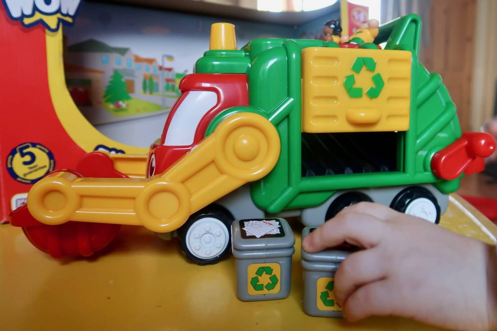 flip 'n' tip fred recycling truck wow toys review bins