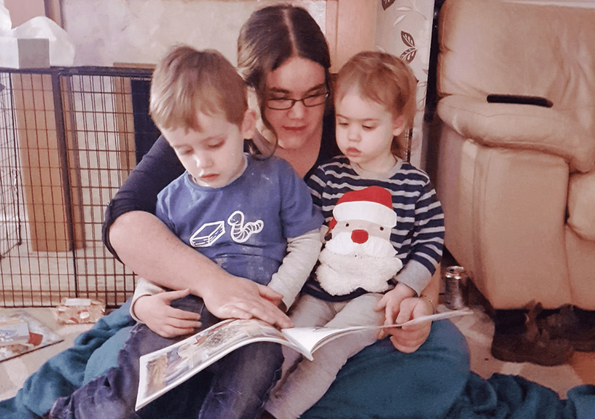 danielle someones mum read with kids