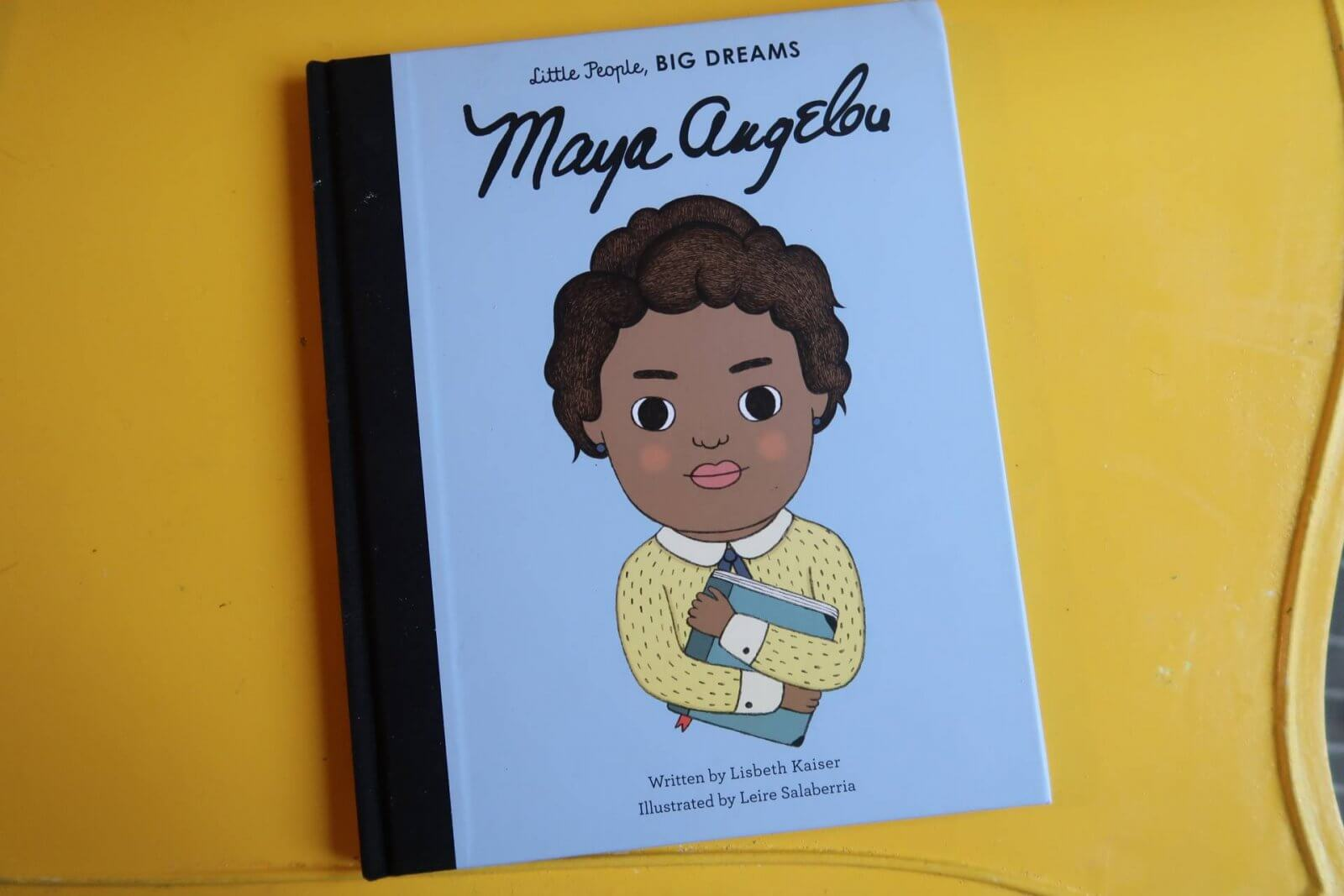 I've been looking at a few ways to create a culture of equality in our home & expand the mind of my mini feminist. Today we're starting with her bookshelf. Maya Angelou